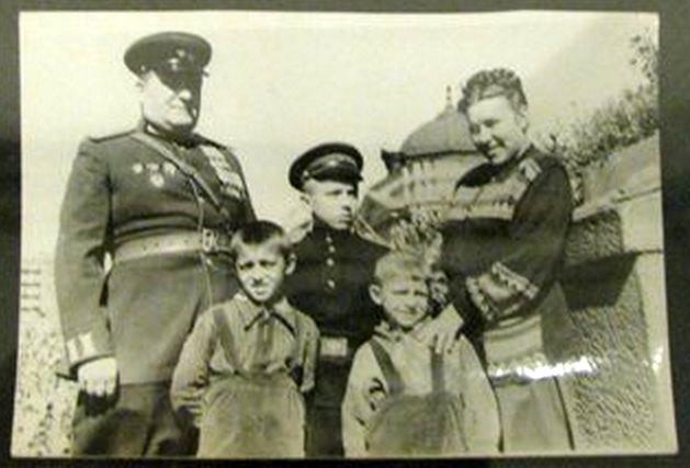 Алешков с отцом - комполка