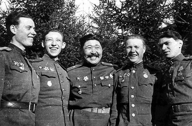 Герои Советского Союза 5-й армии, удостоенные этого звания за бои в Восточной Пруссии. Фото - waralbum.ru