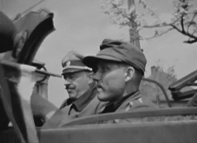 Опознавательный флажок на штабной машине РОА, Чехия, 1945 г.