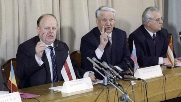 беловежское соглашение. кравчук шушкевич ельцын3