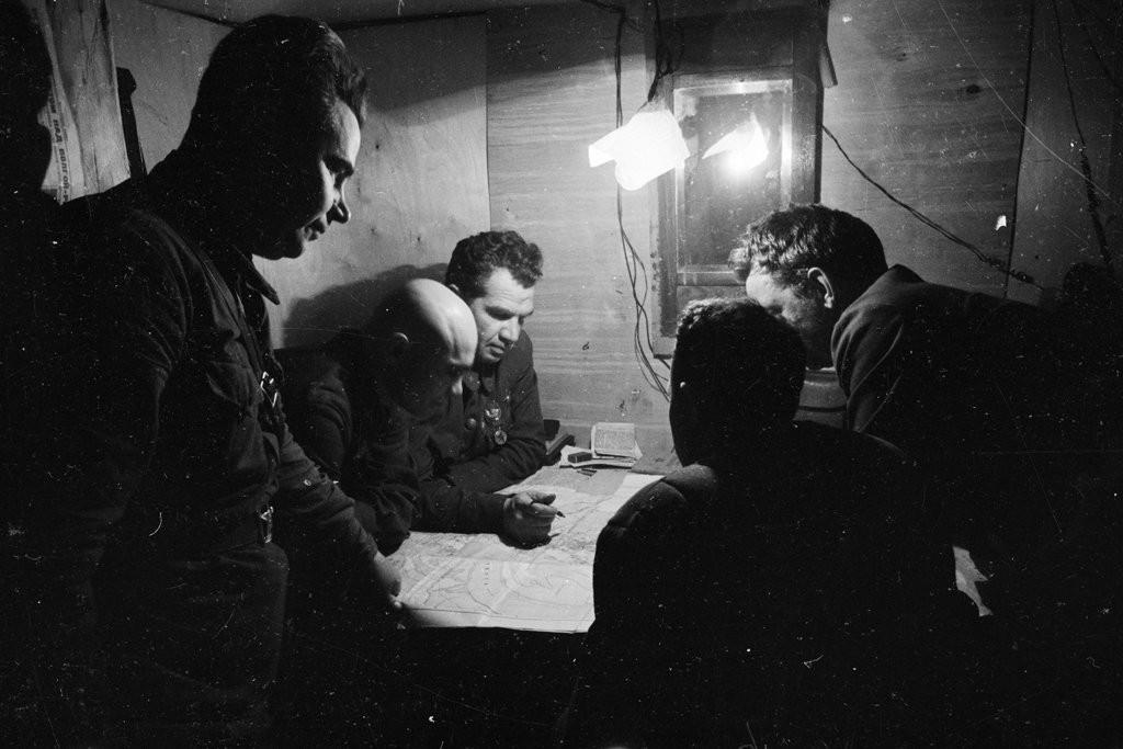 командующий 62-й армиейгенерал-лейтенант в и чуйков и его штаб