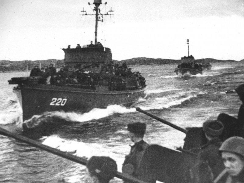 10-й сталинский удар - высадка десанта. Петсамо-Киркенесская операция