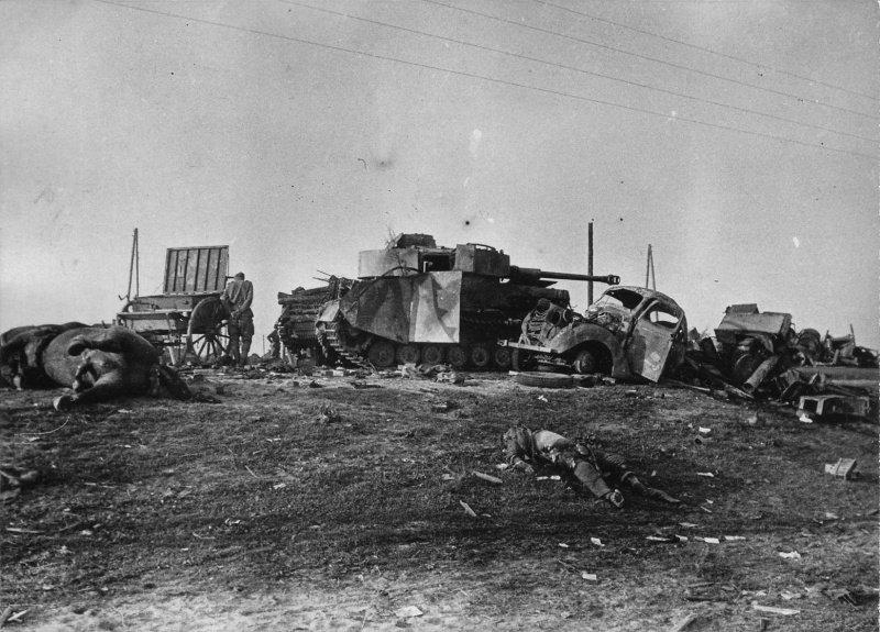 5-й сталинский удар Колонна немецкой техники, уничтоженная на дороге под Бобруйском