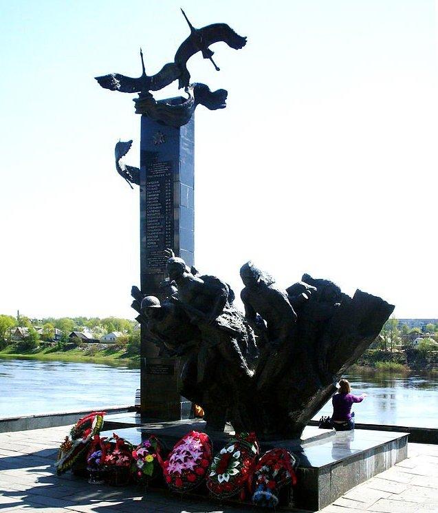 5-й сталинский удар Памятник 23-м воинам-гвардейцам (1989)