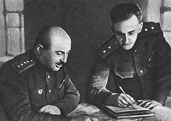 5-й сталинский удар генерал армии И.Х. Баграмян и начальник штаба фронта генерал-лейтенант В.В. Курасов