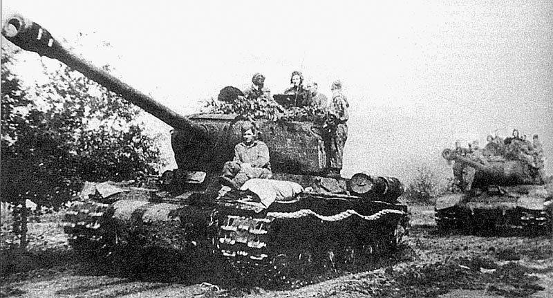 6-й сталинский удар ИС-2 на Сандомирском плацдарме. Польша. Август 1944 года