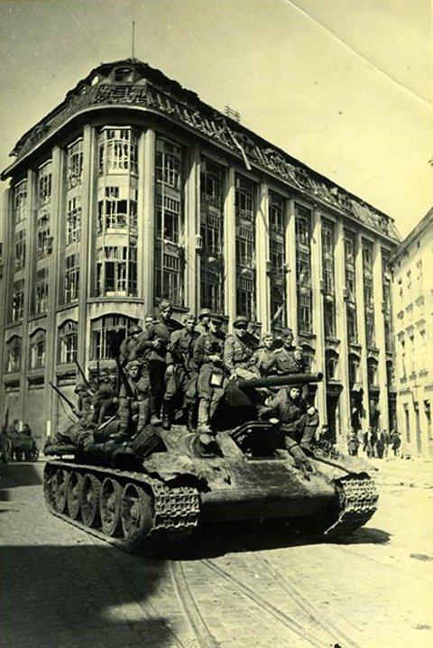 6-й сталинский удар Советские танки во Львове