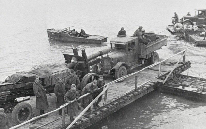 8-й сталинский удар - Переброска советской тяжелой артиллерии на остров Сааремаа