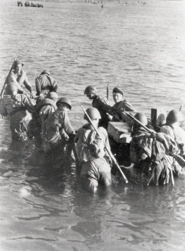 8-й сталинский удар - Высадка советского десанта на остров Сааремаа (Эзель) в Моонзундском архипелаге
