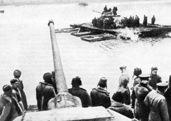 9-й сталинский удар - Переправа советских войск через Дунай