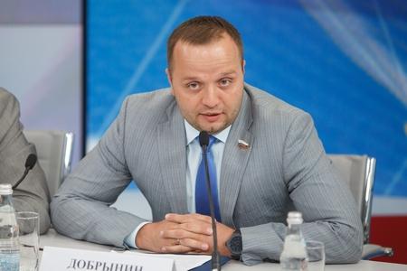 Член Совета федерации (СФ) Константин Добрынин
