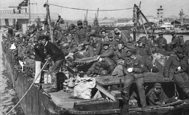 Эвакуация немецких солдат