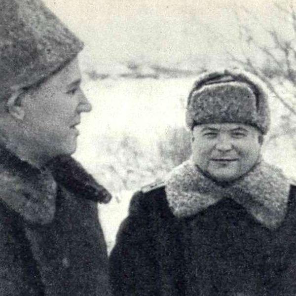 Командующий 2-м Украинским Фронтом генерал армии И.С.Конев (слева) и командующий 1-м Украинским Фронтом генерал армии М.Ф.Ватутин