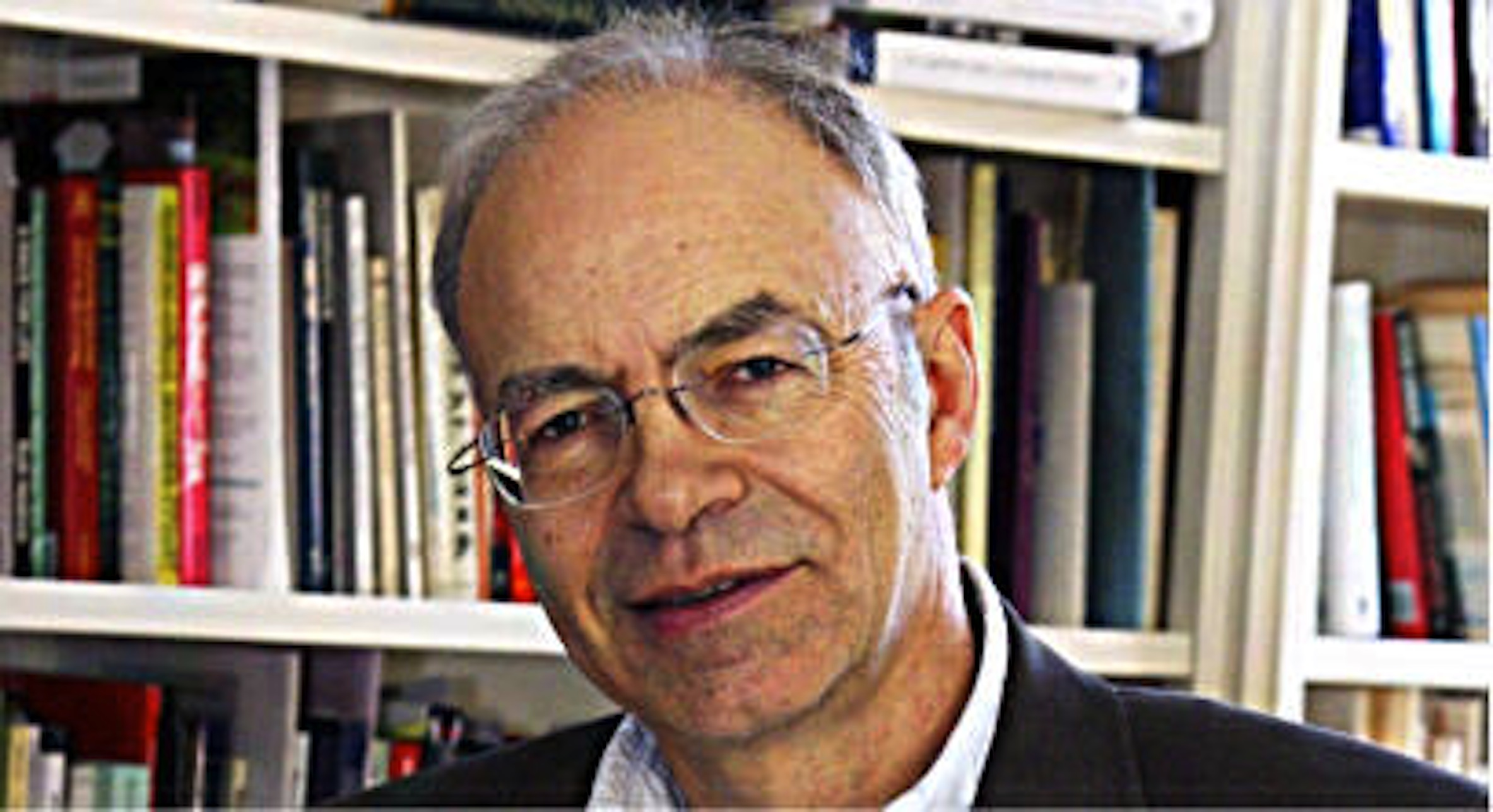 essay peter singer author famine affluence and morality He 1 famine, affluence, and morality by peter singer the elements of reason #8 1 use two or three sentences to state the main purpose or argument in this article in other words, what is.