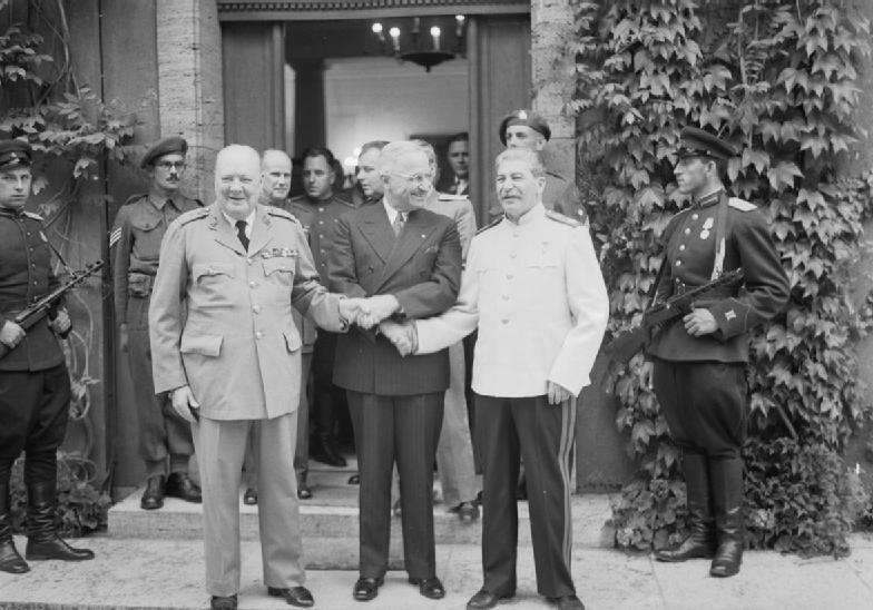 Сталин, Черчиль и .