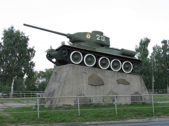 Танк Т-34, установленный в честь освобождения Петрозаводска от финских захватчиков