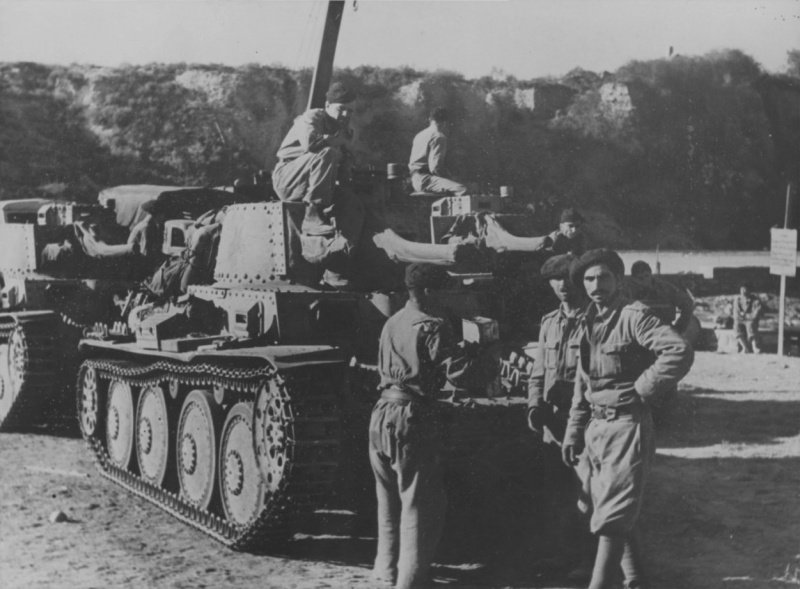 Танки Pz.Kpfw.38(t) 2-го румынского танкового полка в Крыму