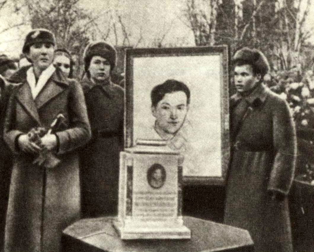zoya-kosmodemyanskaya-pamyatnik3
