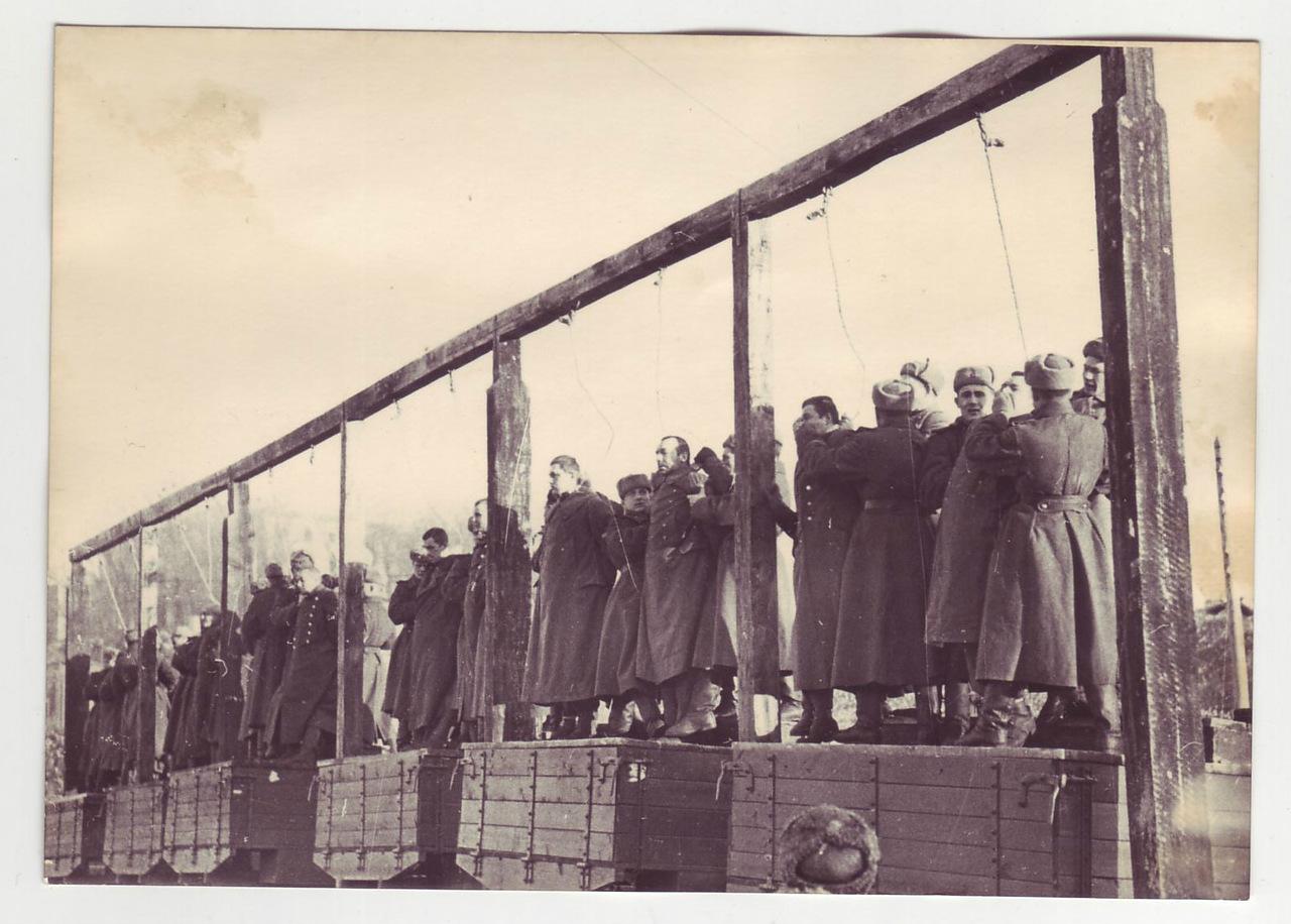 казнь бандеровцев-4