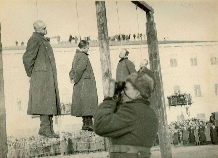 казнь фашистов Киев 1946