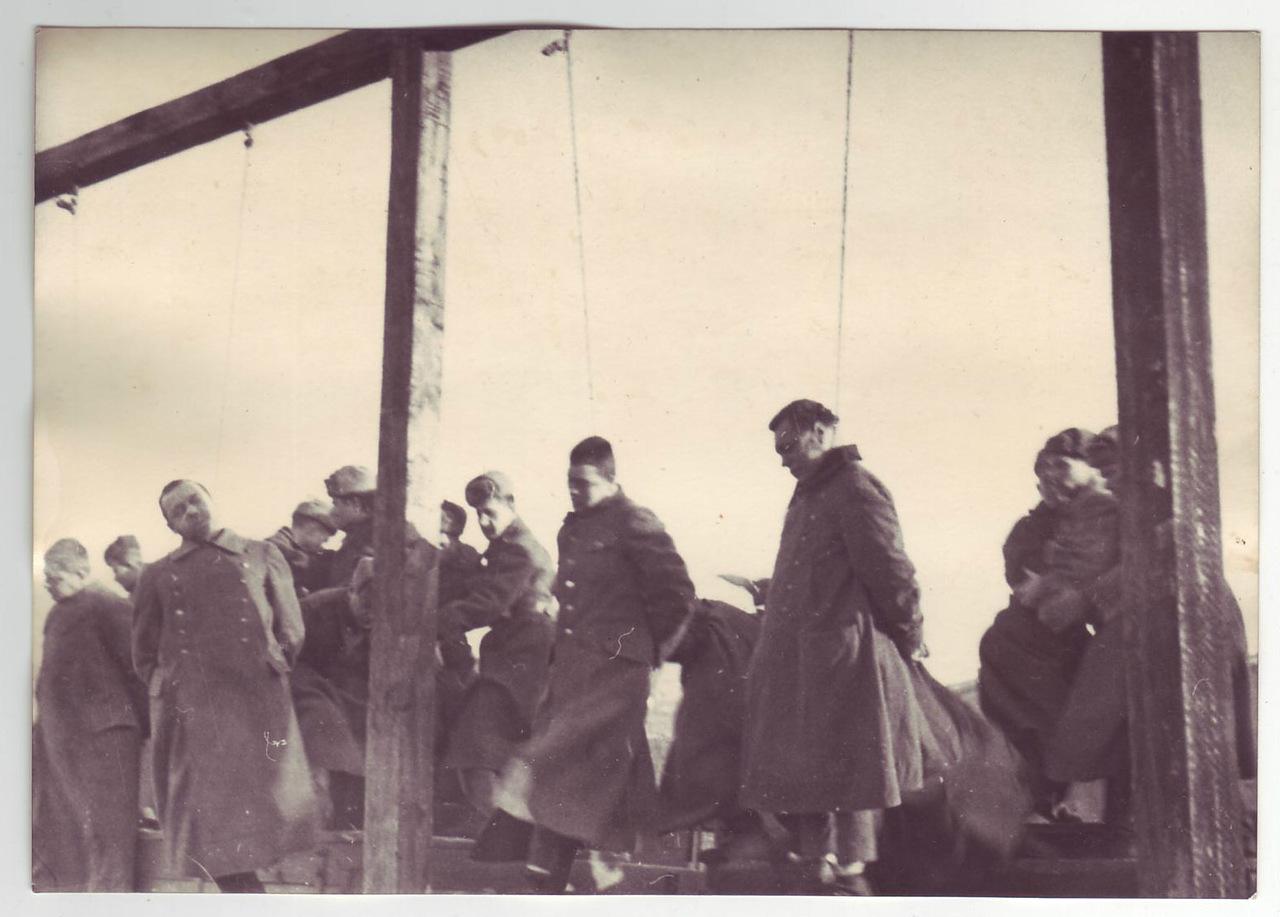 казнь военных преступников на Украине 1946 год-4