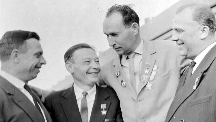 Десантники Ольшанского вместе