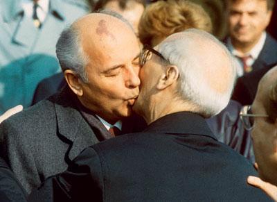 Горбачев и Хонекер