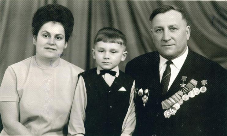 Гребенюк с семьей десант Ольшанского