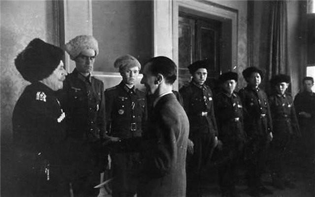 геббельс и казаки - предатели