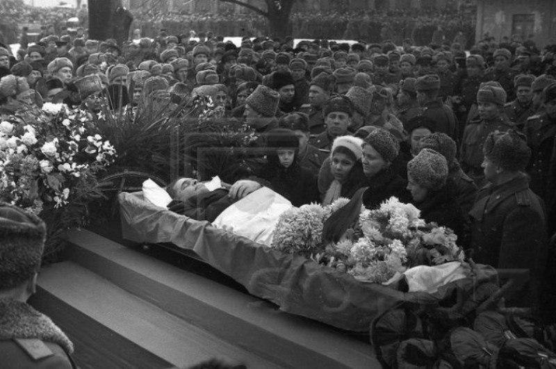 Черняховский похороны