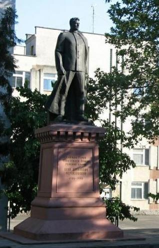 Памятник Черняховскому в одессе