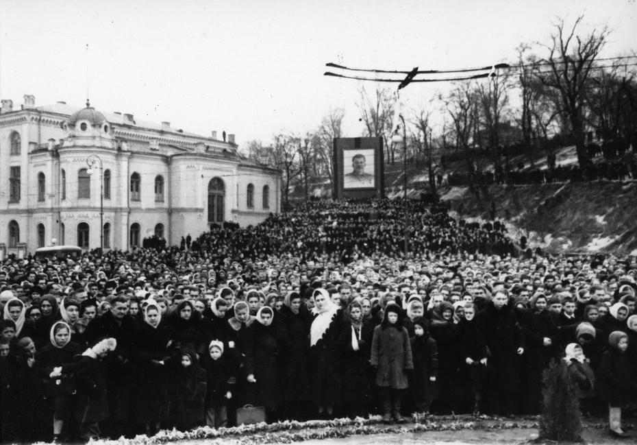 Сталин умер народное горе3