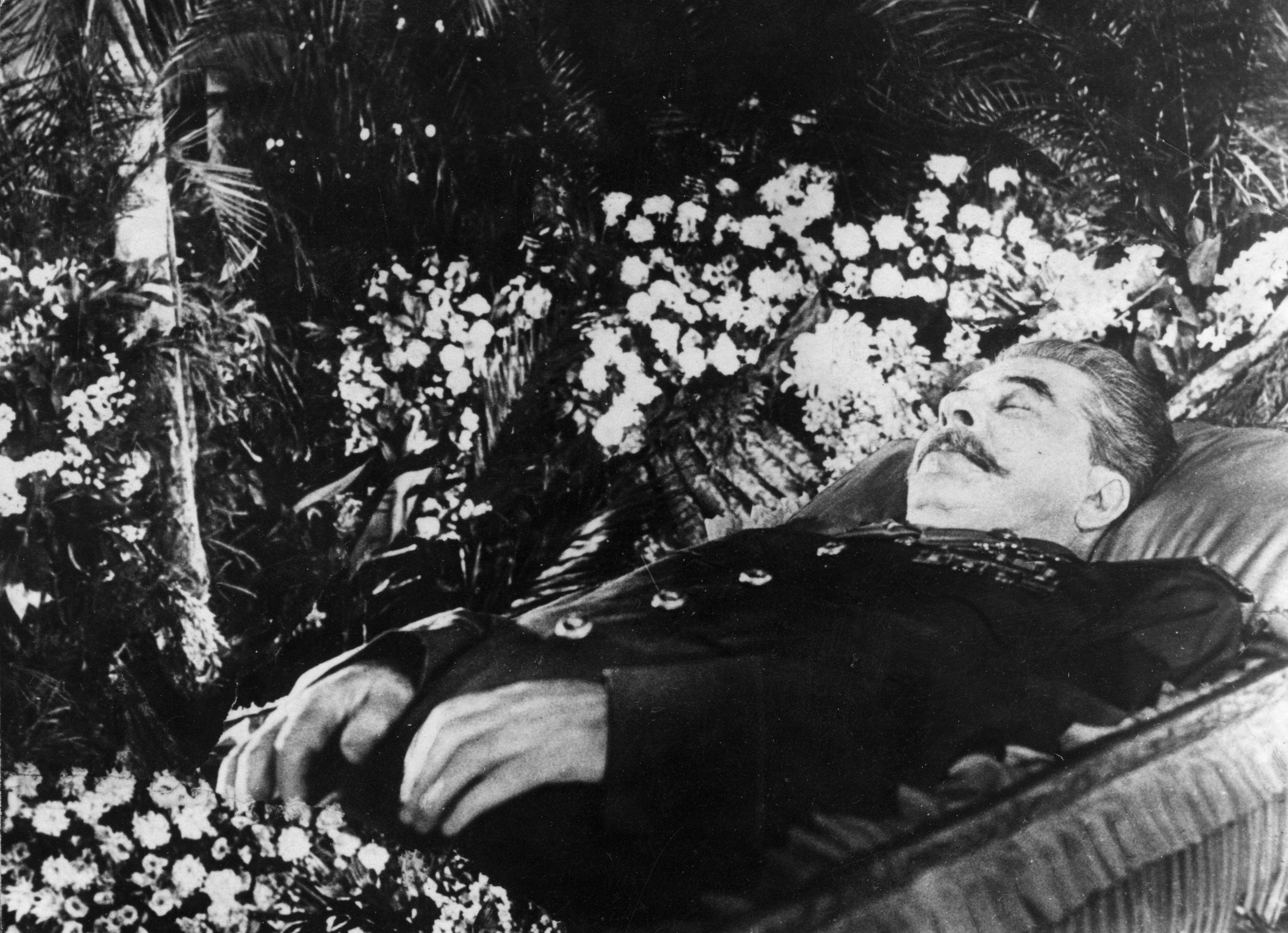Сталин умер в гробу2