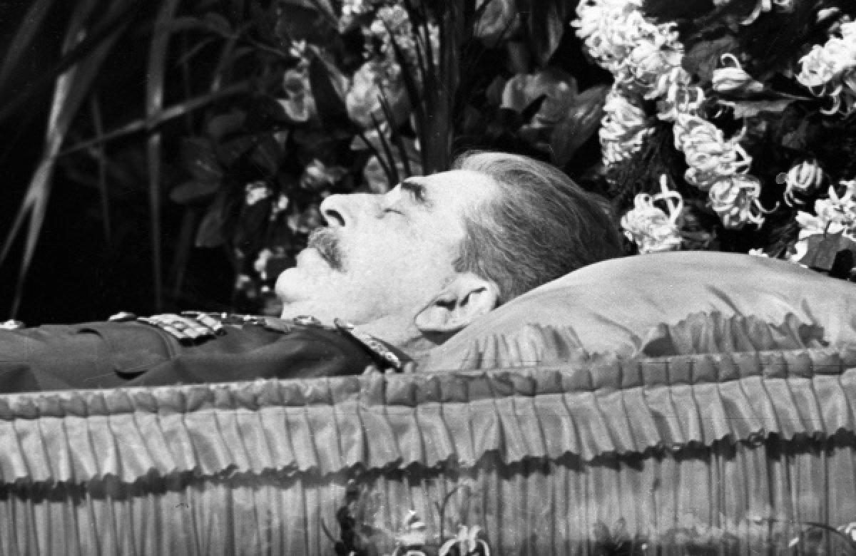 Сталин умер в гробу3