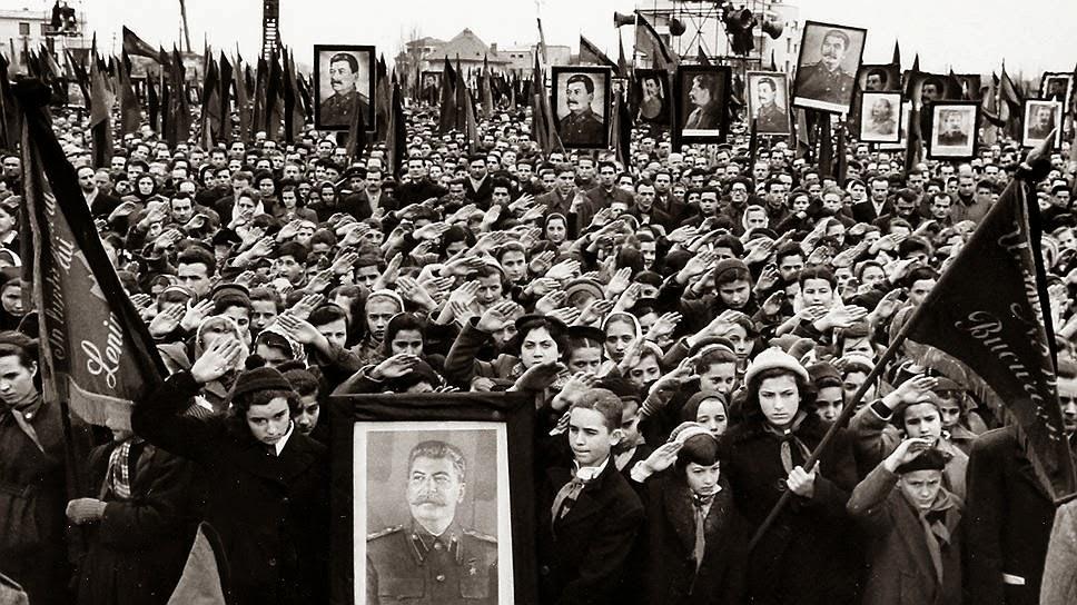 Сталин умер. Горе народное