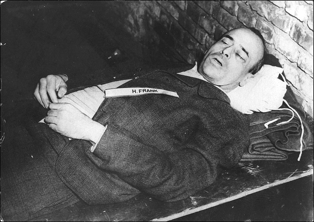 добрый палач Генерал-губернатор Польши, адвокат НСДАП Ганс Франк1