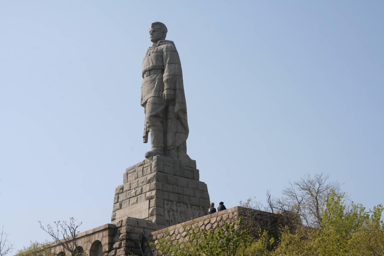 памятник алеша5