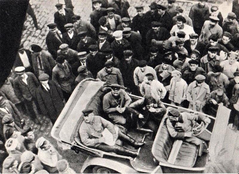 Командир 2-го кавкорпуса Г. И. Котовский после маневров. Умань. 1923.