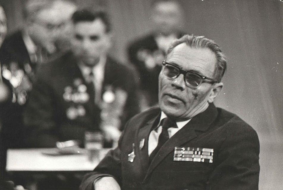 Лейтенант Афанасьев Иван Филиппович, комендант гарнизона защитников Дома Павлова, 1973 год