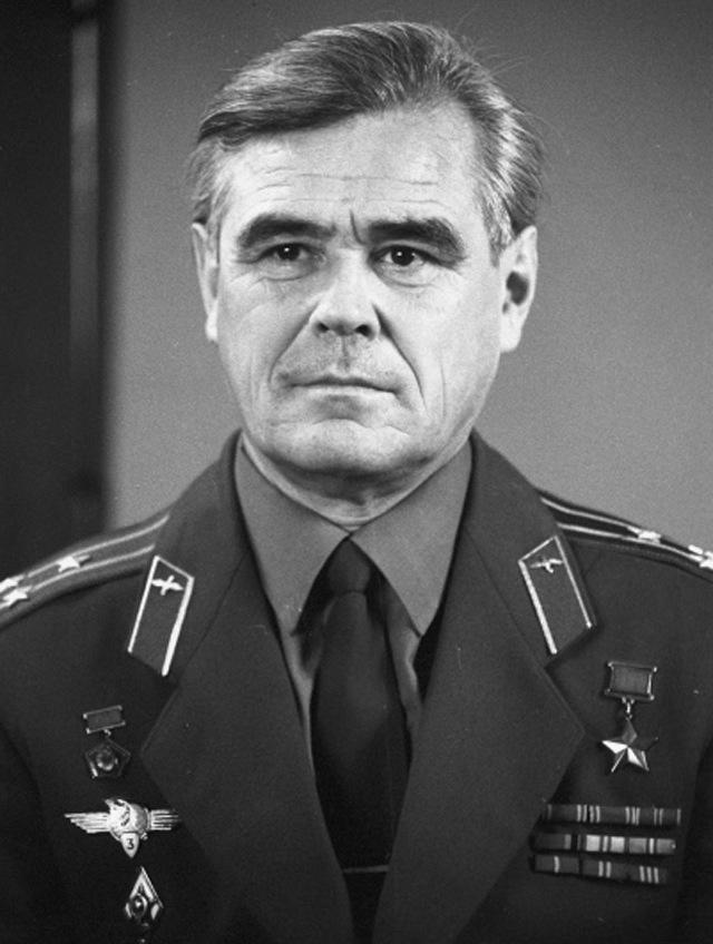 Летчик-космонавт СССР Василий Григорьевич Лазарев