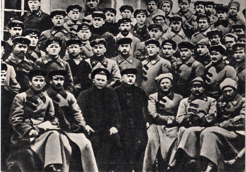 В группе бойцов и командиров 2-го кавкорпуса. Умань. 1924.