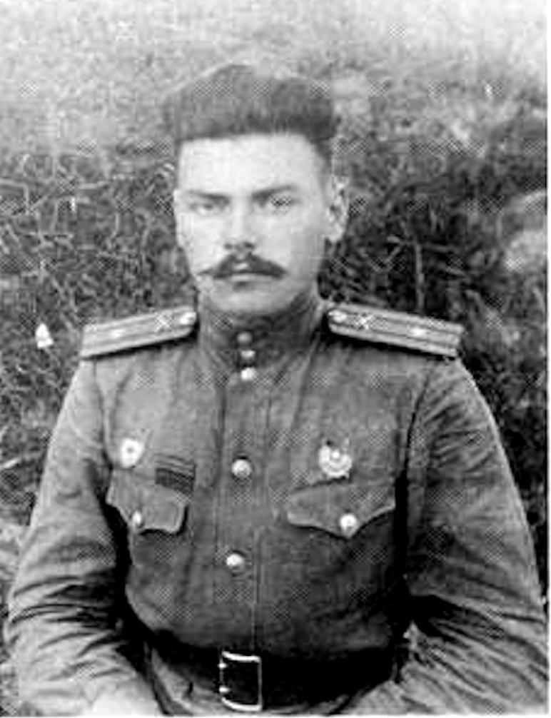 Артем Сергеев командир 211-го гвардейского ареллириского полка майор Артем Сергеев. Северо-Западный фронт. Июнь 1943 года