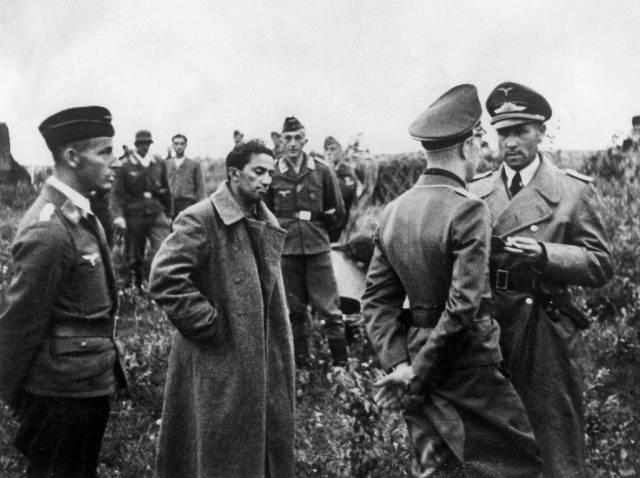 Дети Сталина Яков в плену