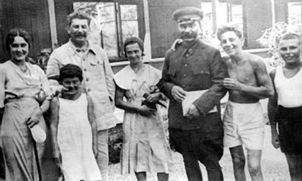 дети Сталина!
