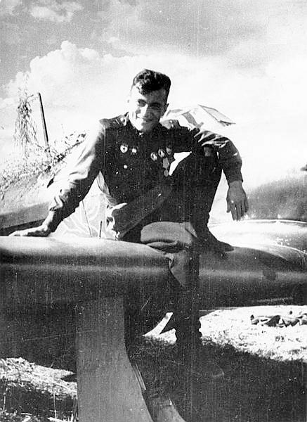 Дважды Герой Советского Союза Амет Хан Султан5