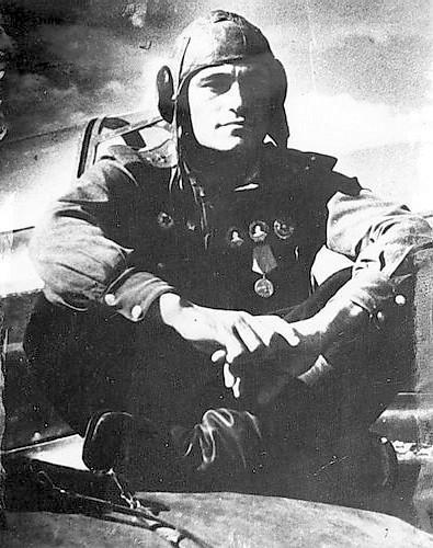 Дважды Герой Советского Союза Амет Хан Султан6