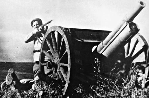 Кадр из фильма «Бумбараш». Роль безымянного красноармейца-артиллериста. филоненко