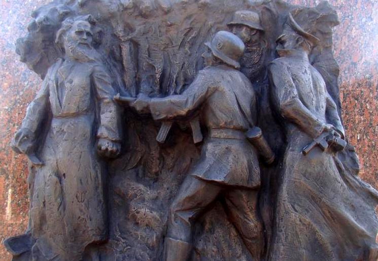 Матвей Кузьмин памятник