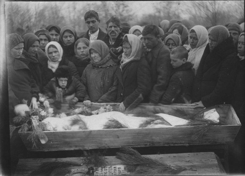 Похороны молодогвардейца Сергея Тюленина