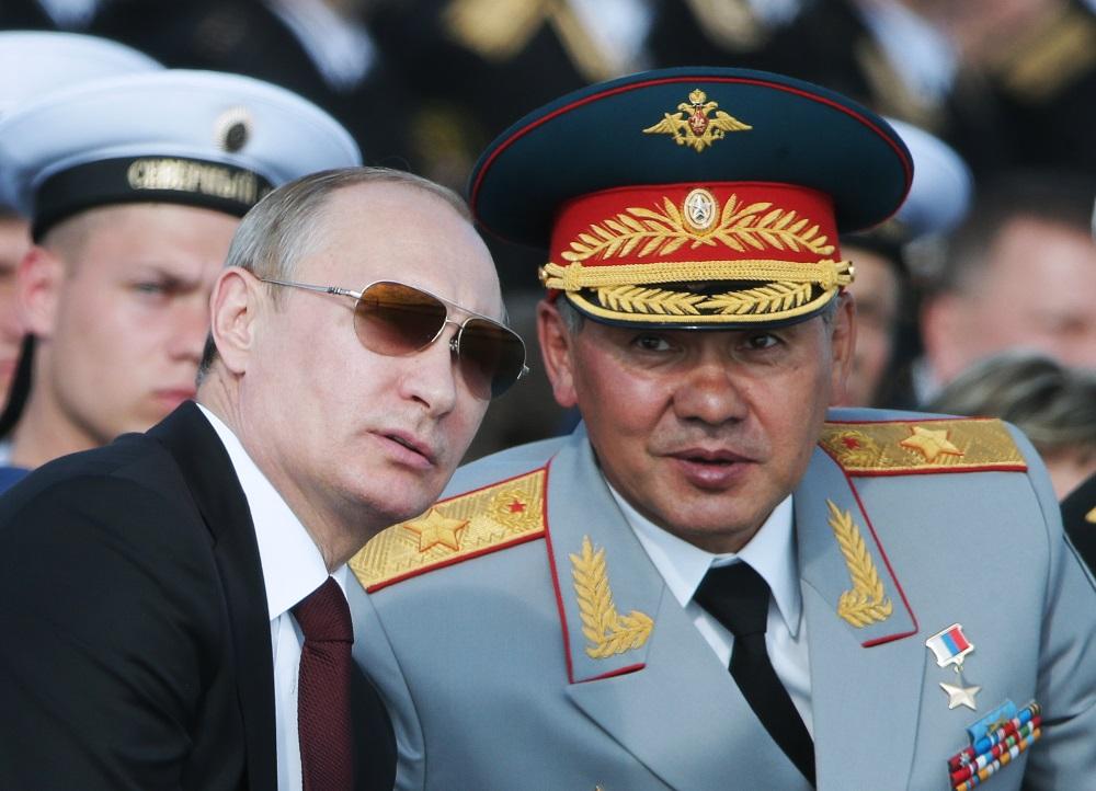 Путин и шойгу5